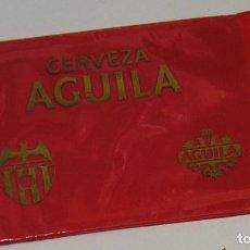 Coleccionismo deportivo: LOTE ABONO PASE VALENCIA CLUB DE FUTBOL AÑOS 80 PUBLICIDAD AGUILA CHURRUCA........ Lote 266459468
