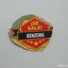 Coleccionismo deportivo: SE SALE BENZEMA REAL MADRID RECORTE PRENSA REVISTA JUGÓN MIDE UNOS 5,5 X 4,7 CM. Lote 270098963