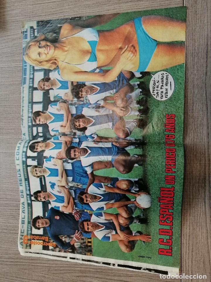 Coleccionismo deportivo: Revista-Cómic Barrabás, 23-11-1976 Nº 216, Real Madrid, Poster Espanyol. - Foto 3 - 203936193