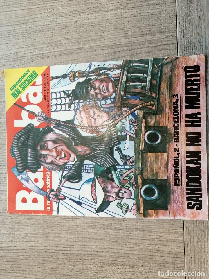 REVISTA-CÓMIC BARRABÁS, 21-12-1976 Nº 220, FC BARCELONA, POSTER REAL SOCIEDAD. (Coleccionismo Deportivo - Revistas y Periódicos - Barrabás)