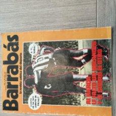 Coleccionismo deportivo: REVISTA-CÓMIC BARRABÁS, 1-03-1977 Nº 230, FC BARCELONA, REXACH.. Lote 203938187