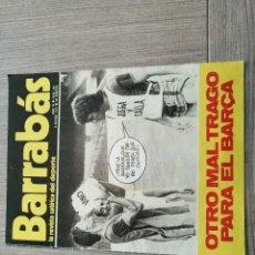Coleccionismo deportivo: REVISTA-CÓMIC BARRABÁS, 8-03-1977 Nº 231, FC BARCELONA, CRUYFF, POSTER FC BARCELONA BALONCESTO. Lote 203938390