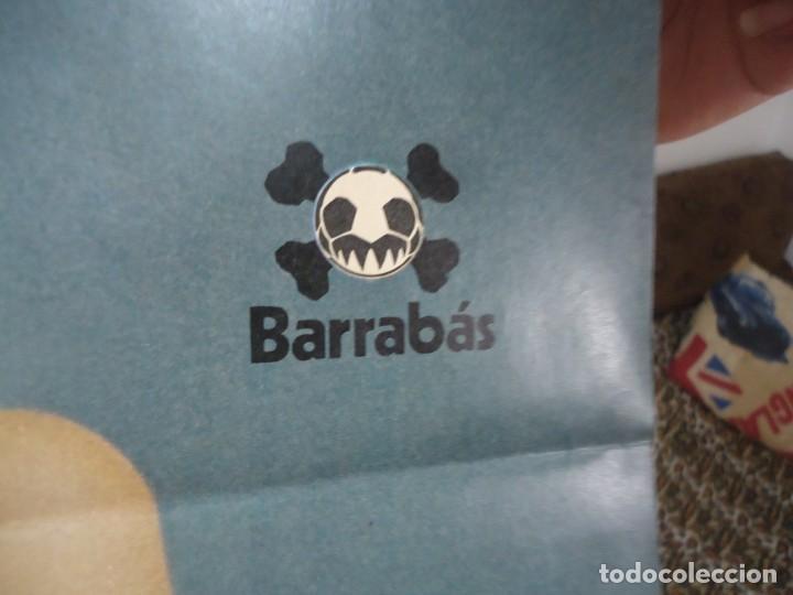 Coleccionismo deportivo: Poster central de la revista barrabás con la Dorita del Club de Futbol Cordoba - Foto 3 - 215241325