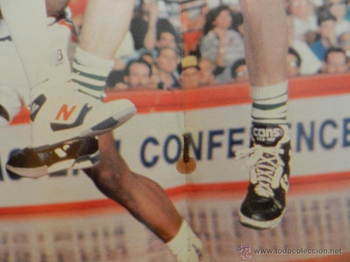 Coleccionismo deportivo: REVISTA GIGANTES DEL BASKET Nº 149-1988 EUROPEO JUNIOR-POSTER LARRY BIRD CELTICS NBA-SABONIS-USA - Foto 5 - 45429151