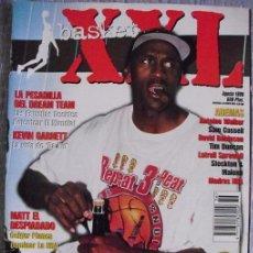 Coleccionismo deportivo: MICHAEL JORDAN - REVISTA ''XXL BASKET'' (1998) - SEXTO ANILLO - CON PÓSTERS NBA. Lote 48876489