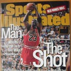 Coleccionismo deportivo: MICHAEL JORDAN - REVISTA ''SPORTS ILLUSTRATED'' (1998) - SEXTO ANILLO - NBA. Lote 50741175