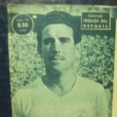 Coleccionismo deportivo: COLECCION IDOLOS DEL DEPORTE. RAFAEL LESMES AÑO 1959. REAL MADRID. Nº 64. Lote 52021921