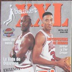 Coleccionismo deportivo: MICHAEL JORDAN & SCOTTIE PIPPEN - REVISTA ''XXL BASKET'' - OPEN MCDONALDS 1997. Lote 53834228