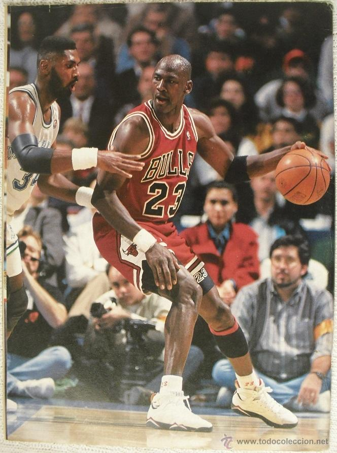 Coleccionismo deportivo: Michael Jordan - Revista especial A final tribute. 1985-1993 - con pósters - Foto 2 - 54258044