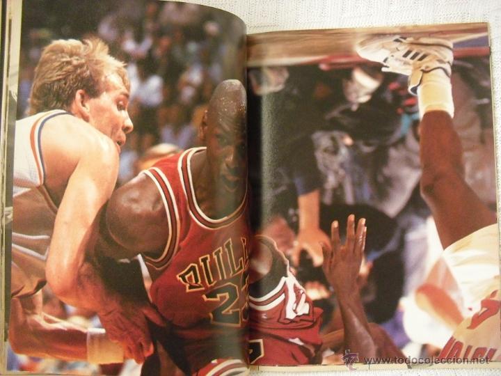 Coleccionismo deportivo: Michael Jordan - Revista especial A final tribute. 1985-1993 - con pósters - Foto 5 - 54258044