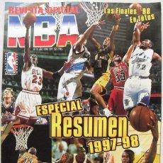 Coleccionismo deportivo: MICHAEL JORDAN - ''REVISTA OFICIAL NBA'' - RESUMEN DE LA TEMPORADA 1997-98. Lote 115631967