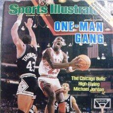 Coleccionismo deportivo: MICHAEL JORDAN & CHICAGO BULLS - REVISTA ''SPORTS ILLUSTRATED'' (NOVIEMBRE DE 1986) - NBA. Lote 57673038
