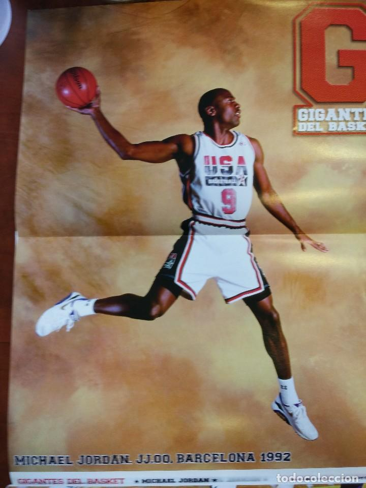 Coleccionismo deportivo: Revista nº 1410 Gigantes del Basket. Gigantes 1410. Incluye 8 posters Michael Jordan - Foto 3 - 88098336