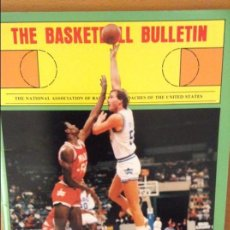 Coleccionismo deportivo: THE BASKETBALL BULLETIN (NABC) SUMMER 1987. Lote 100372527