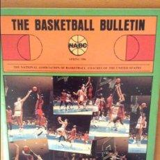 Coleccionismo deportivo: THE BASKETBALL BULLETIN (NABC) SPRING 1986. Lote 100372799