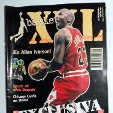 Coleccionismo deportivo: REVISTA BASKET XXL Nº49 1999. BALONCESTO NBA. MICHAEL JORDAN. POSTER SPREE KNICKS TIM DUNCAN . Lote 101459775