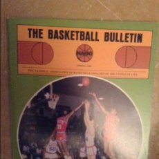 Coleccionismo deportivo: THE BASKETBALL BULLETIN (NABC) SPRING 1983. Lote 104484107