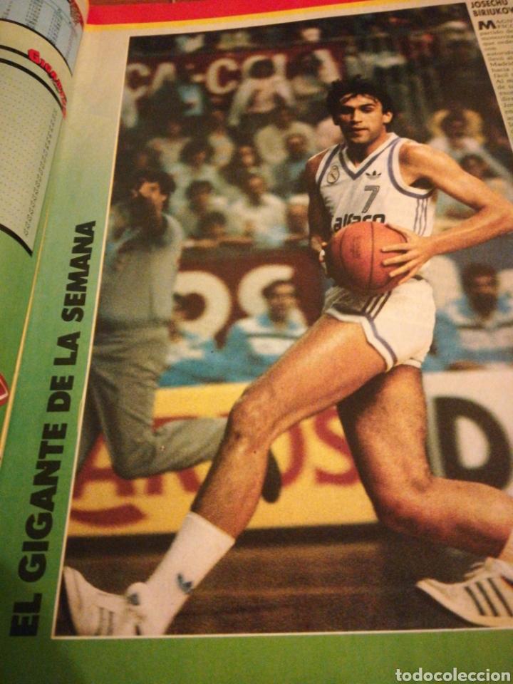 Coleccionismo deportivo: Gigantes del Basket Corbalan Manute Bol número 6 Diciembre 1985 - Foto 2 - 113699738