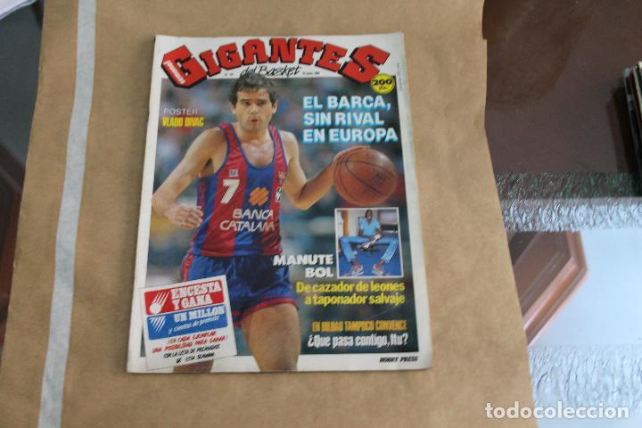 GIGANTES DEL BASKET Nº 167, CON POSTER CENTRAL (Coleccionismo Deportivo - Revistas y Periódicos - otros Deportes)