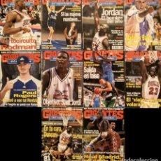 Coleccionismo deportivo: MICHAEL JORDAN & CHICAGO BULLS - 10 REVISTAS ''GIGANTES DEL BASKET'' (1996-1997) - NBA. Lote 134056938