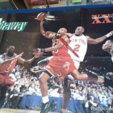 Coleccionismo deportivo: POSTER NBA REVISTA XXL BASKETBALL ( TIM HARDAWAY DE MIAMI HEAT ) VINTAGE GRANDE. Lote 136152714