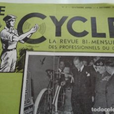 Coleccionismo deportivo: LE CYCLE. REVISTA FRANCESA. DICIEMBRE 1948. GENERAL MONTGOMERY VISITANDO UN STAND DE BICICLETAS.. Lote 136482794
