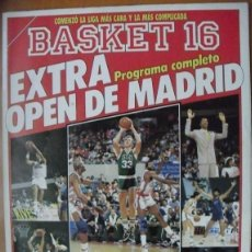 Coleccionismo deportivo: LARRY BIRD & BOSTON CELTICS - REVISTA 'GIGANTES DEL BASKET' - OPEN MCDONALDS 1988. Lote 146180882