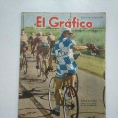 Coleccionismo deportivo: REVISTA EL GRÁFICO Nº 1584. 16-12-1949. BUENOS AIRES. PORTADA CICLISTA JORGE OLIVER. CAR135. Lote 161094518