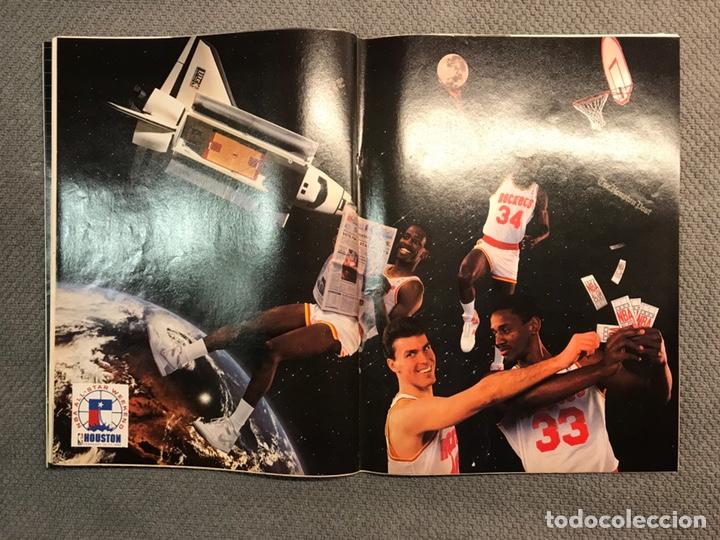 Coleccionismo deportivo: BASKET 16, No.71, VOLKOV El Gran rojo con camiseta blanca ..PÓSTER NBA HOUSTON - Foto 3 - 180504218