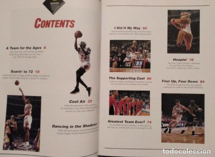 Coleccionismo deportivo: Michael Jordan - Libro/revista Raging Bulls - Cuarto anillo (1996) - NBA - Foto 3 - 184232372