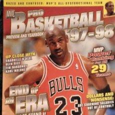 Coleccionismo deportivo: REVISTA AMERICANA ''MVP PRO BASKETBALL. PREVIEW AND YEARBOOK '97-'98'' - NBA - JORDAN - RAREZA. Lote 190489912