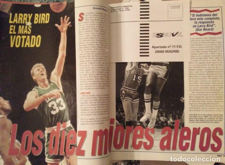 Coleccionismo deportivo: Lote de 10 (+1) números de la Revista Oficial NBA (1994-1996) - Foto 5 - 194906910