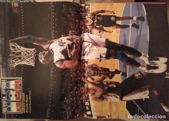 Coleccionismo deportivo: Lote de 10 (+1) números de la Revista Oficial NBA (1994-1996) - Foto 6 - 194906910