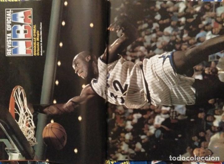 Coleccionismo deportivo: Lote de 10 (+1) números de la Revista Oficial NBA (1994-1996) - Foto 8 - 194906910