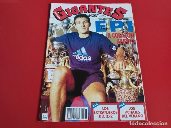 REVISTA BALONCESTO GIGANTES DEL BASKET Nº357 - POSTER T.KUKOC(CROACIA) Y D.SCHREMP --1992--RB1 (Coleccionismo Deportivo - Revistas y Periódicos - otros Deportes)