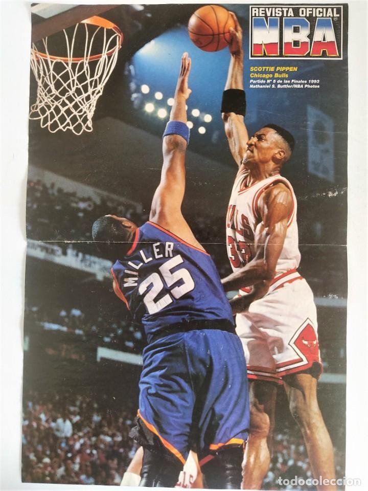 PÓSTER SCOTTIE PIPPEN (5º PARTIDO FINALES 1993) ~ REVISTA OFICIAL NBA (Coleccionismo Deportivo - Revistas y Periódicos - otros Deportes)