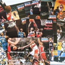 Coleccionismo deportivo: LOTE 30 PÓSTERS NBA AÑOS 90 (REVISTA OFICIAL NBA) - BARKLEY, EWING, GARNETT, HILL, DIVAC, SABONIS... Lote 206835451