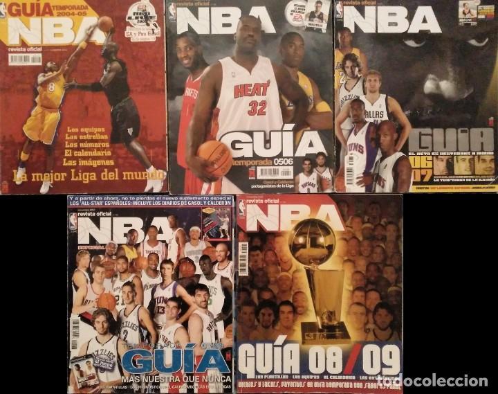 Coleccionismo deportivo: Revista Oficial NBA (2004-2011) - Lote de 23 revistas + Cinco guías NBA + tarjetas - Foto 3 - 203407616