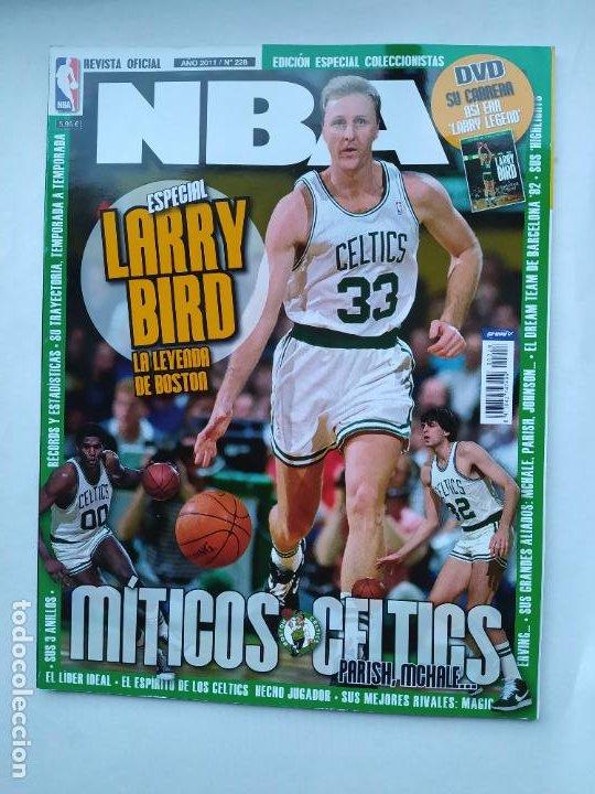REVISTA OFICIAL NBA. Nº 228. AÑO 2011. ESPECIAL LARRY BIRD. TDKC75 (Coleccionismo Deportivo - Revistas y Periódicos - otros Deportes)