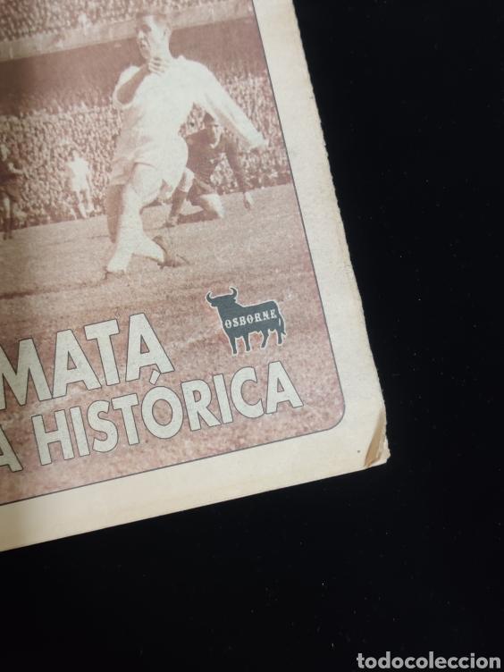 Coleccionismo deportivo: El Real Madrid,campeon de europa,periodico ABC, N° 4. Kopa remata una delantera historica. - Foto 2 - 222534785
