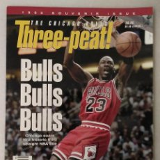 Coleccionismo deportivo: MICHAEL JORDAN - REVISTA/LIBRO ''THREEPEAT'' (1993) - ESPECIAL TERCER ANILLO - NBA. Lote 251285515