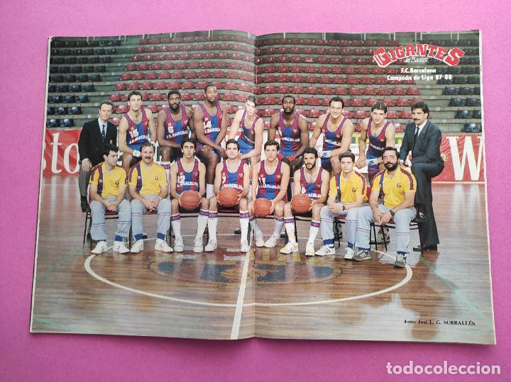 Coleccionismo deportivo: REVISTA GIGANTES DEL BASKET Nº 135 EXTRA LIGA ACB 87/88 - POSTER BARÇA CAMPEON 1987/1988 - Foto 2 - 263674015