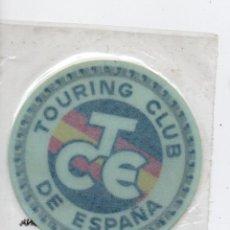 Coches: ADHESIVO TOURING CLUB DE ESPAÑA AÑOS 70. Lote 71936859