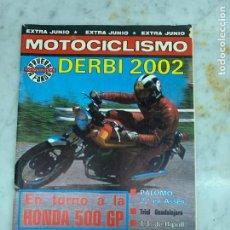 Carros: REVISTA MOTOCICLISMO - DERBI 2002 - EXTRA JUNIO. Lote 214167526