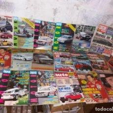 Coches: REVISTAS DE AUTOMÓVIL VINTAGE CON PÓSTER DEL COCHE CAMPEÓN DE SAINZ. Lote 252699035