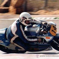 Coches y Motocicletas: FOTOGRAFIA ORIGINAL. MOTO Nº14. RF. RICO. SUZUKI. ESCUDERIA PARRA. MOTOCICLISMO.20 X 25 CM.. Lote 28048793
