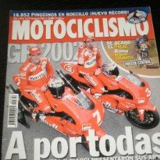 Coches y Motocicletas: MOTOCICLISMO Nº 1769 - ENE 2002 - NANI ROMA / TRIUMPH DAYTONA 955 / HARLEY DAVIDSON VRSCA /HONDA VTX. Lote 245181340