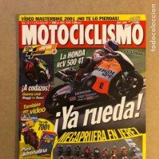 Coches y Motocicletas: MOTOCICLISMO N° 1730 (2001). ROSSI VS BIAGGI, HONDA RCV 500 4T, COMPARATIVA MASTERBIKE 2001. Lote 160540837