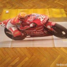 Coches y Motocicletas: POSTER REVISTA MOTOCICLISMO AÑO 1997. EMILIO ALZAMORA. REVERSO ALEX CRIVILLE. MEDIDAS. 81X51 CM. . Lote 163500466