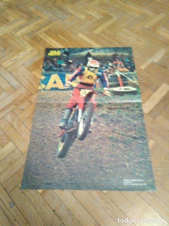 POSTER REVISTA SOLO MOTO ACTUAL AÑO 1976. PIERRE KARSMAKERS. HONDA. MEDIDAS 30X45 APROX. (Coches y Motocicletas - Revistas de Motos y Motocicletas)